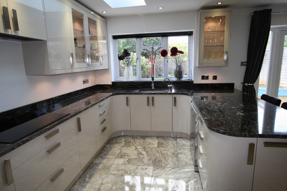Kitchen fitter Guildford curved units