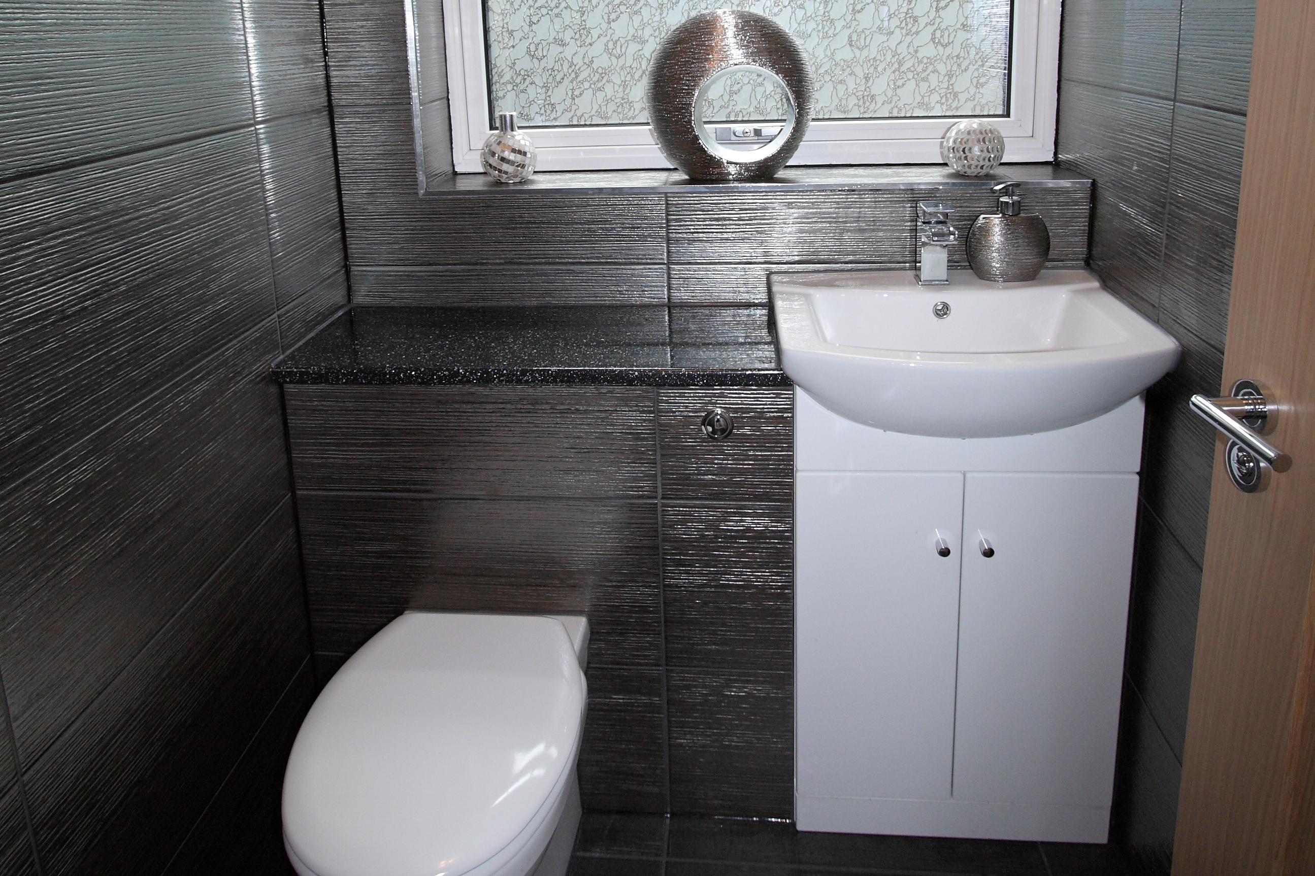 Bathroom Fitters | Fully Fitted | Guildford | MRB Carpentry